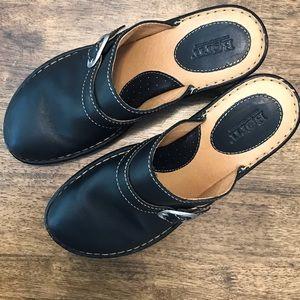 Born clogs